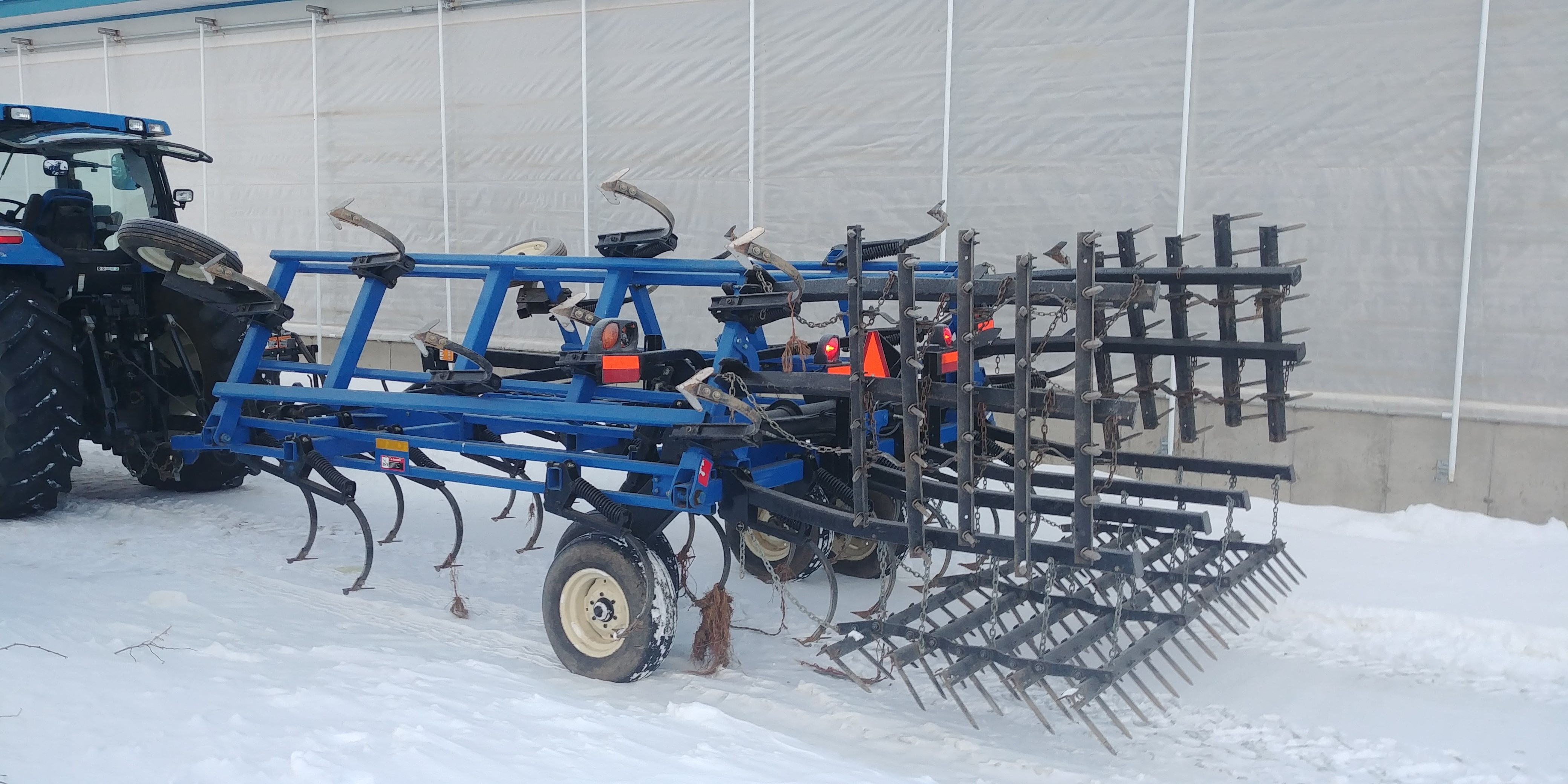 Cultivateur New Holland ST250