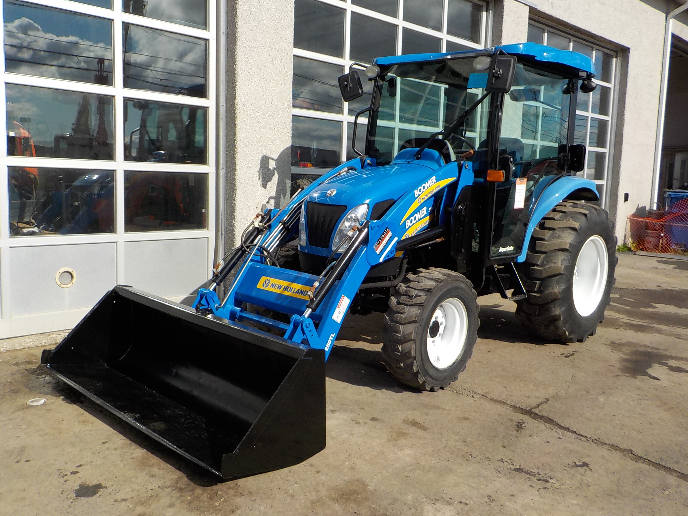 Tracteur New Holland Boomer 3045