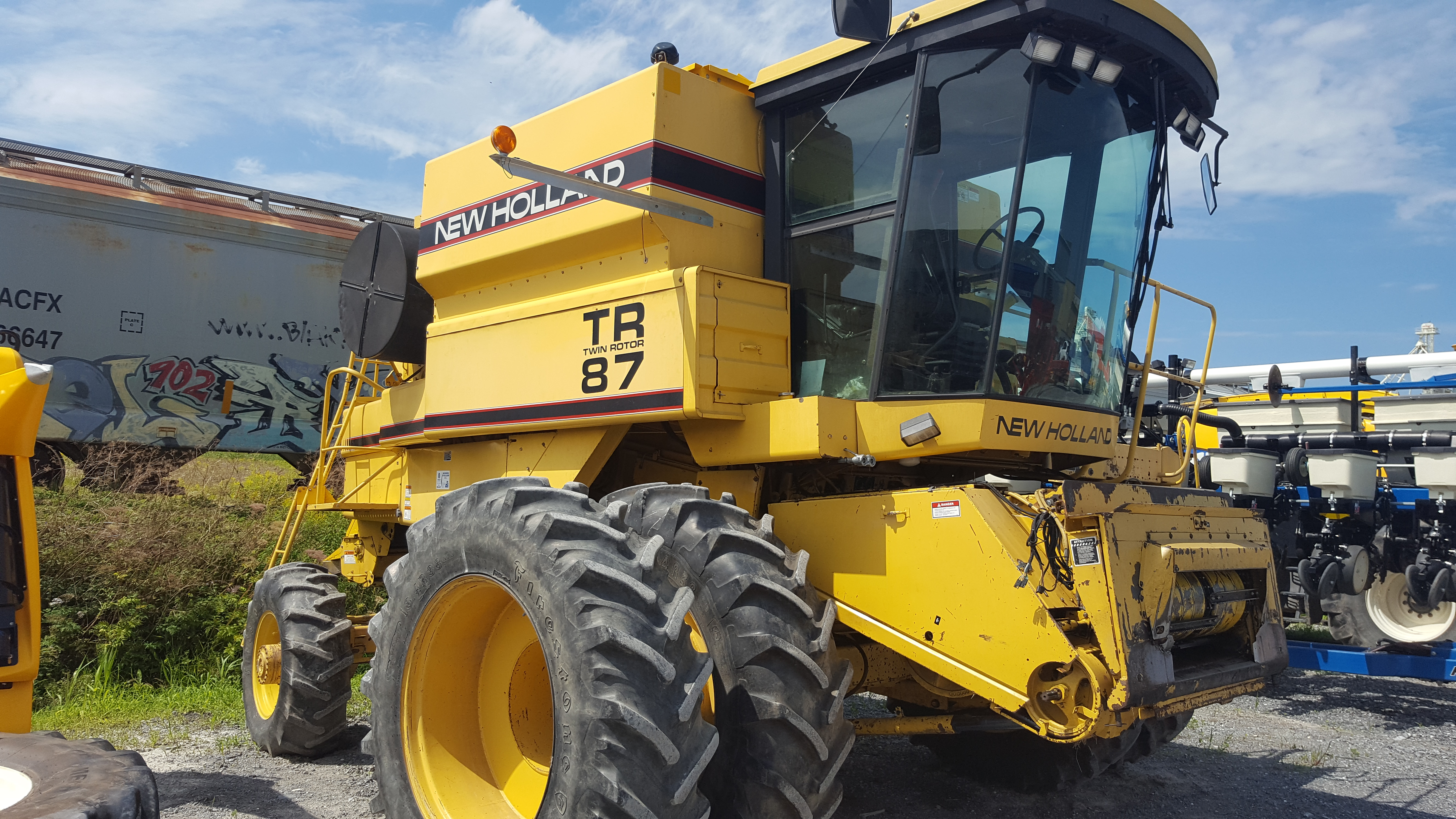 Moissonneuse-batteuse New Holland TR87