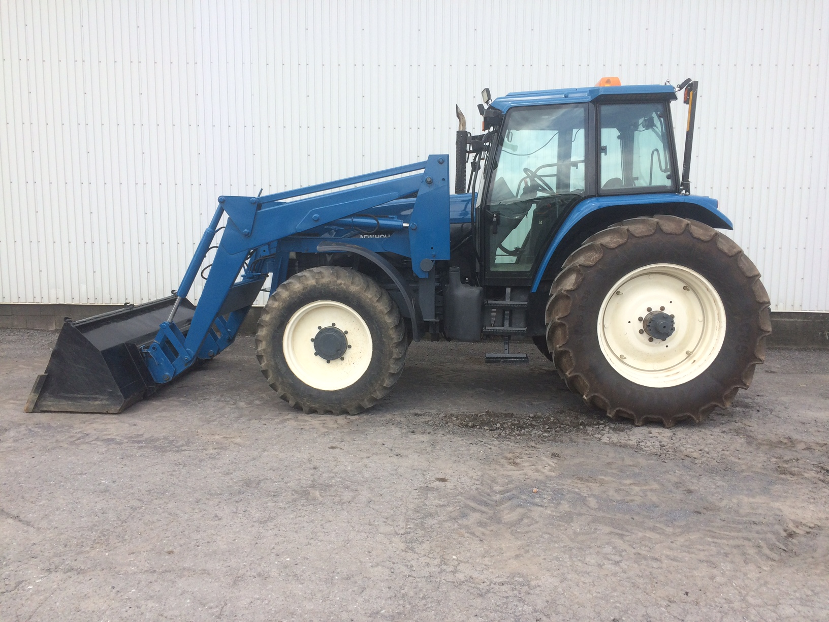 Tracteur New Holland 8160