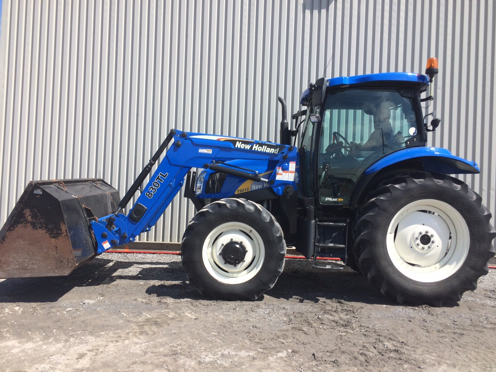 Tracteur New Holland 6010