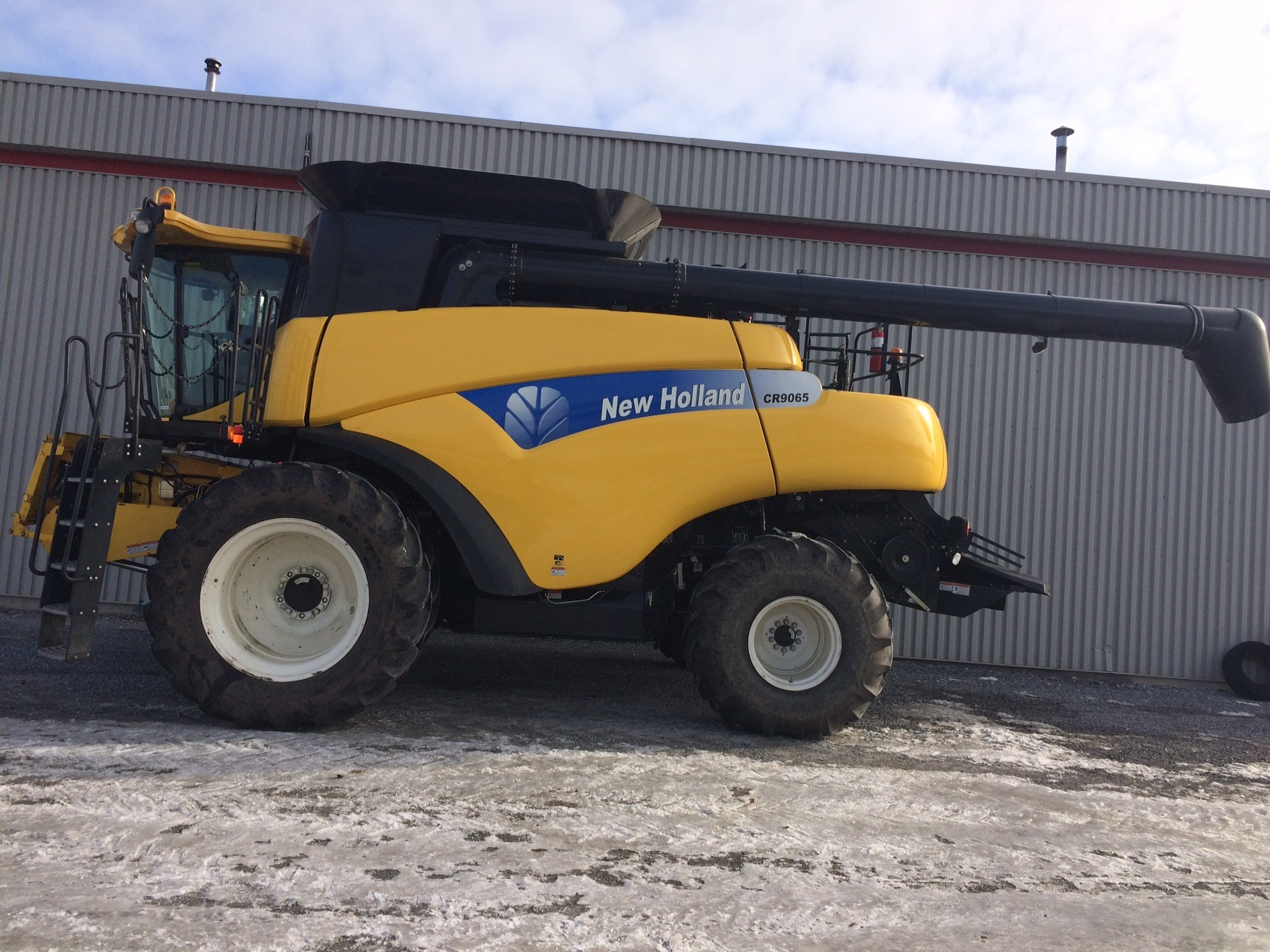 Moissonneuse-batteuse New Holland CR9065