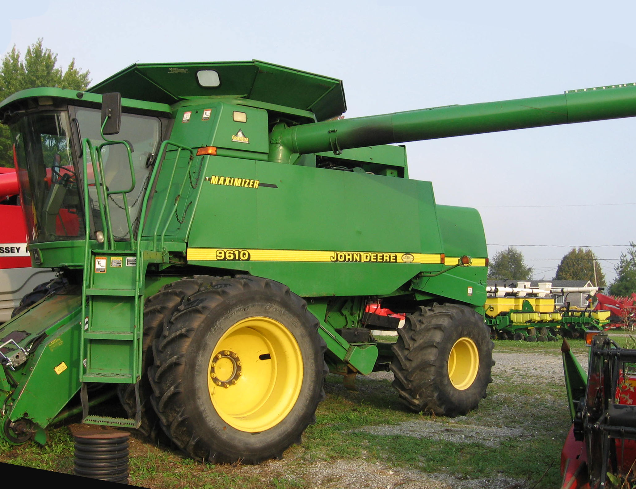 Moissonneuse-batteuse John Deere 9610