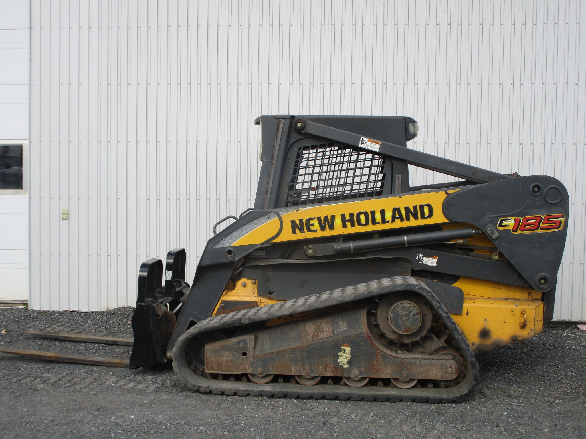 Skidster New Holland C185